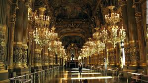 Largest Chandelier Worlds Largest Chandelier Of The Worlds Most Spectacular Theaters