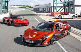 porsche ferrari judgement day for the holy trinity mclaren p1 vs porsche 918