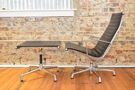 charles and ray eames for herman miller aluminum group lounge