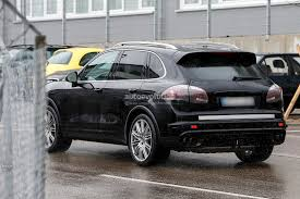 porsche cayenne 2015 spyshots 2015 porsche cayenne facelift autoevolution