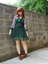 green polka dot dress lookbook