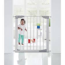 Self Closing Stair Gate by Lindam Sure Shut Orto White Stairgate Kiddicare Com