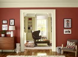Wohnzimmer Einrichten Mit Schwarzer Couch Rote Couch Welche Wandfarbe Cheap Gemtliches Sofa Vor Grner Wand