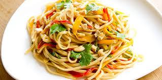 cuisine thailandaise recette pad thaï végétarien coloré facile recette sur cuisine actuelle