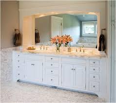 Custom Bathroom Vanity Cabinets by Best 25 Custom Vanity Ideas On Pinterest Custom Bathrooms
