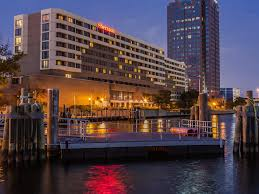hotels in norfolk va sheraton norfolk waterside hotel