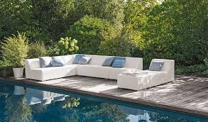 canapé jardin aménager un salon de jardin bas pour s y détendre jardinerie