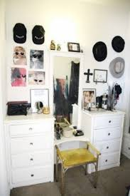 Small Vanity Table Vanity Ideas For Small Bedrooms Small Vanity Table For Bedroom