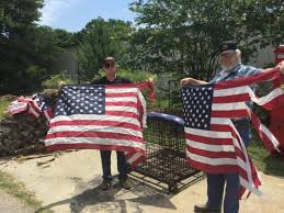How To Dispose An American Flag American Flags Will Burn In Tribute Not Protest On Flag Day