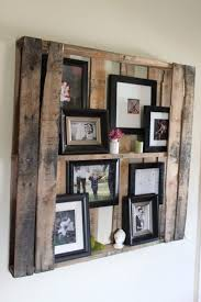frame ideas 15 ideas to display your family photos at home wood pallets