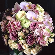 flower delivery london christmas flowers and wreaths delivery london
