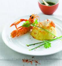 cuisiner les langoustines langoustines sauce vierge et chartreuse de pommes de terre les
