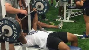 watch penn state u0027s saquon barkley benches 30 reps of 225lbs