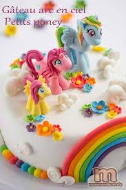 gateau anniversaire animaux les 25 meilleures idées de la catégorie gâteau cheval sur
