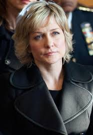 back view of amy carlson hair blue bloods amy carlson it s getting harder for linda to be a