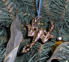 choosing ornaments for your tree