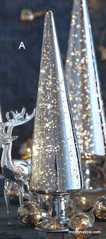small light up christmas tree 5562 best christmas decorations images on pinterest merry