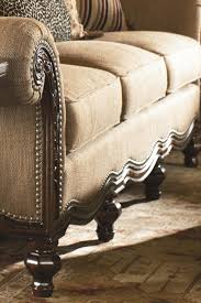 Colonial Thomasville Bedroom Furniture Thomasville Ernest Hemingway 462 Pauline Camel Back Sofa With