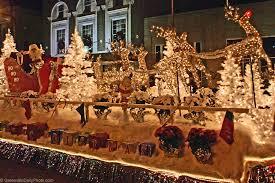 christmas light parade floats santa in the christmas parade greenville daily photo