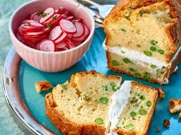 cuisiner les radis roses cake aux petits pois et radis roses facile et pas cher recette