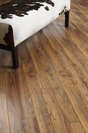 Hand Scraped Wood Laminate Flooring Die Besten 25 Rustic Laminate Flooring Ideen Auf Pinterest