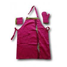 gants cuisine set tablier et gant de cuisine fushia germa