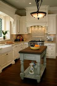 cottage kitchen islands best 25 cottage style kitchens ideas on country for in