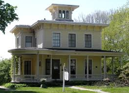 italianate style house no i liked my favorite style of house is more italianate than