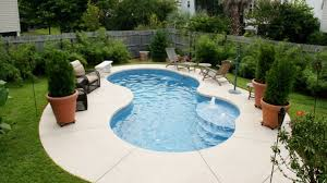 Backyard Swimming Pools by Top 25 Best Small Pool Design Ideas On Pinterest Small Pools