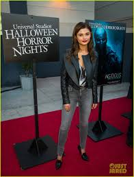 halloween horror nights premier pass goosebumps u0027 dylan minnette u0026 jem u0027s stefanie scott scare up