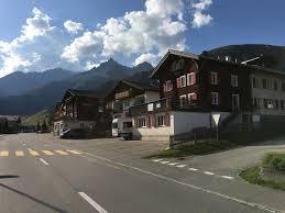 Schlafzimmerm El Baur Ferienwohnung Clavau Schweiz Sedrun Booking Com