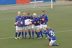imagenes chistosas youtube equipo de islandia hace las celebraciones más chistosas video