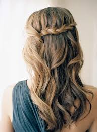 frisur brautjungfer waterfall braid brautjungfer frisur hochzeitstag ideen
