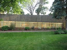 Backyard Landscaping Ideas For Privacy by Cheap Privacy Fence Ideas Privacy Fence Designs For Large Area