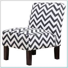Chevron Accent Chair Black And White Chevron Accent Chair Torahenfamilia Reasons