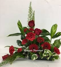 table top flower arrangements sympathy arrangements edwards flowerland fort co