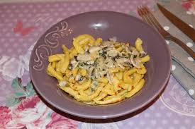comment cuisiner des spaetzle spaetzle et sa sauce champignons restes du frigo les petits