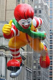 crowds gather for new york s annual thanksgiving day parade photos