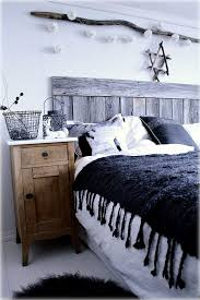 the 25 best log cabin bedrooms ideas on pinterest log cabin
