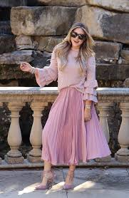 pleated skirts 3 favorite ways to style pleated skirts merritt style