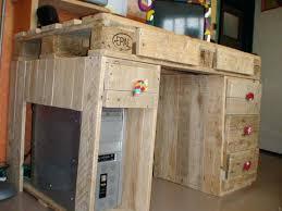 bureau palette bois meuble bureau bois metal en palettes socialfuzz me