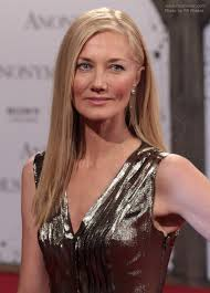joely richardson long straight hair for women past 40