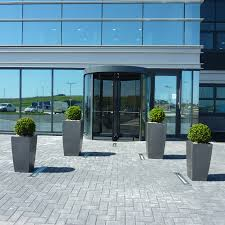 Topiary Planters - aberdeen office case study benholm