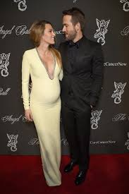 blake lively u0027s gucci gown may just be the most perfect pregnancy