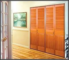 Plantation Louvered Sliding Closet Doors Plantation Shutter Closet Doors In Plantation Louvered Solid