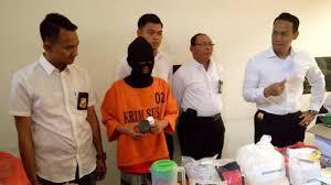 edarkan obat perangsang dicur tetes mata ke seluruh indonesia