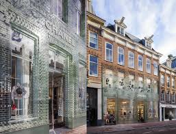 glass bricks u201cstronger than concrete u201d clad amsterdam u0027s crystal