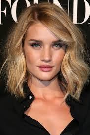 Easy Hairstyle For Wavy Hair by Rosie U0027s Fabulous Wavy Bob My Pret A Porter Pinterest Wavy