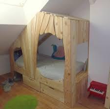 chambre enfant bois massif lit cabane en bois sur mesure pour enfant abra ma cabane