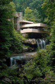 frank lloyd wright falling water house over waterfall frank